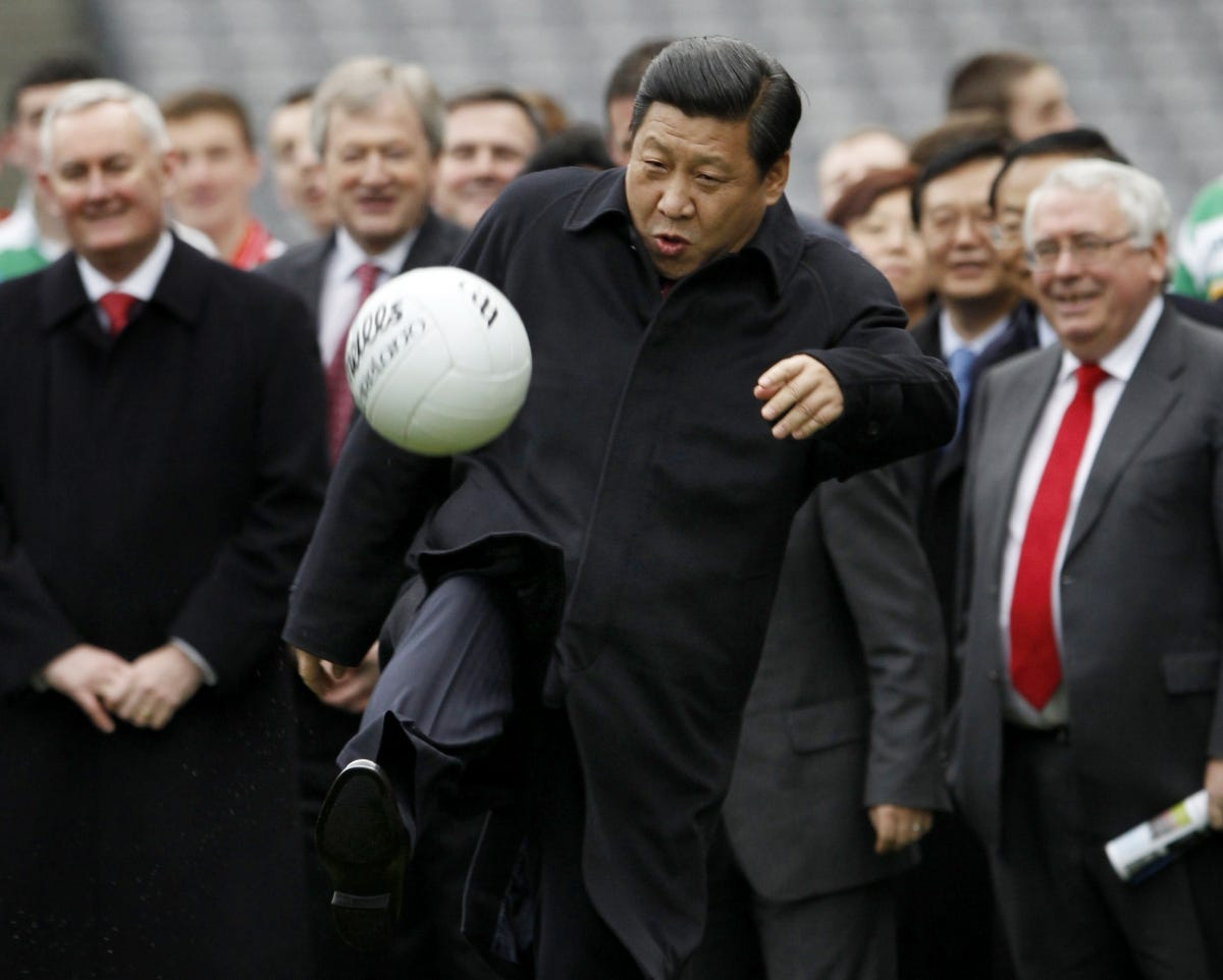 Blue over red: Manchester United fan Xi Jinping to visit City's Etihad  Stadium