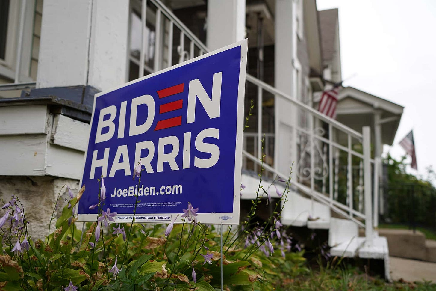 Milwaukee's Latino voters pick up Biden-Harris yard signs to declare their  election day support | The Milwaukee Independent