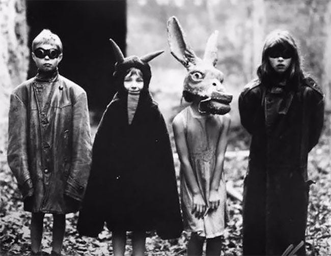 A Collection Of Nightmarish Vintage Halloween Photos From The 1930s