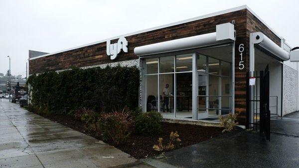 Lyft opens car repair location