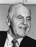 https://upload.wikimedia.org/wikipedia/en/d/d3/WilliamMeredithPoet.jpg