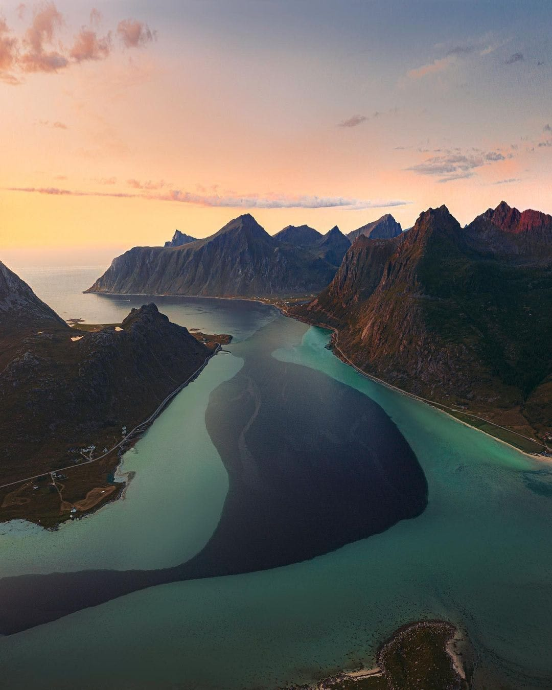 Picture of water and mountains in Norway