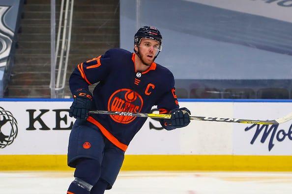 Edmonton Oilers Star Connor McDavid Nets His 500th Point
