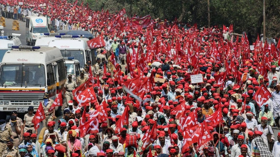 Thousands of Indian farmers end protest after talks with government - BBC  News