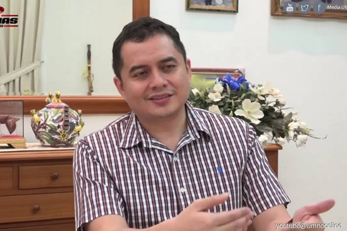 Datuk Mohamad Nizar (Photo credit: Youtube@UMNO Online)