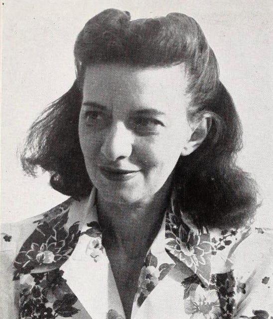 https://upload.wikimedia.org/wikipedia/commons/6/68/Betty_Smith_1943.jpg