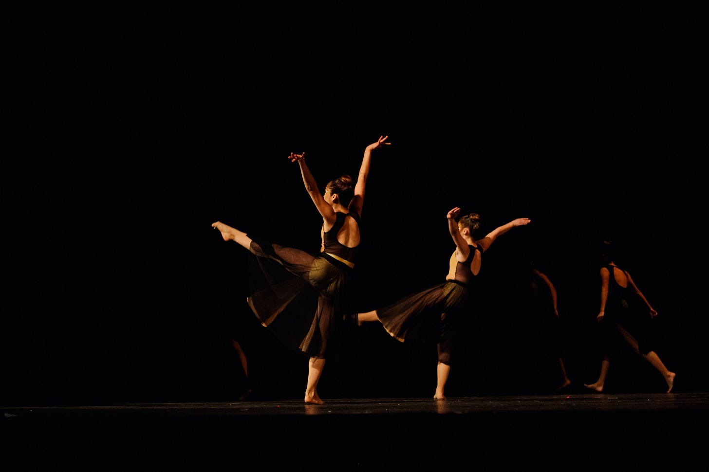"""Image of ballet dancers practicing for article titled """"this is your apprenticeship"""" on The Reflectionist"""