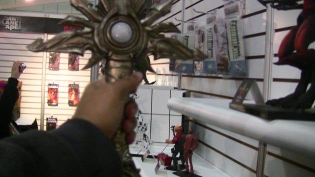 toy-fair-new-york-2014-neca-diablo-tyrael-eldruin-sword