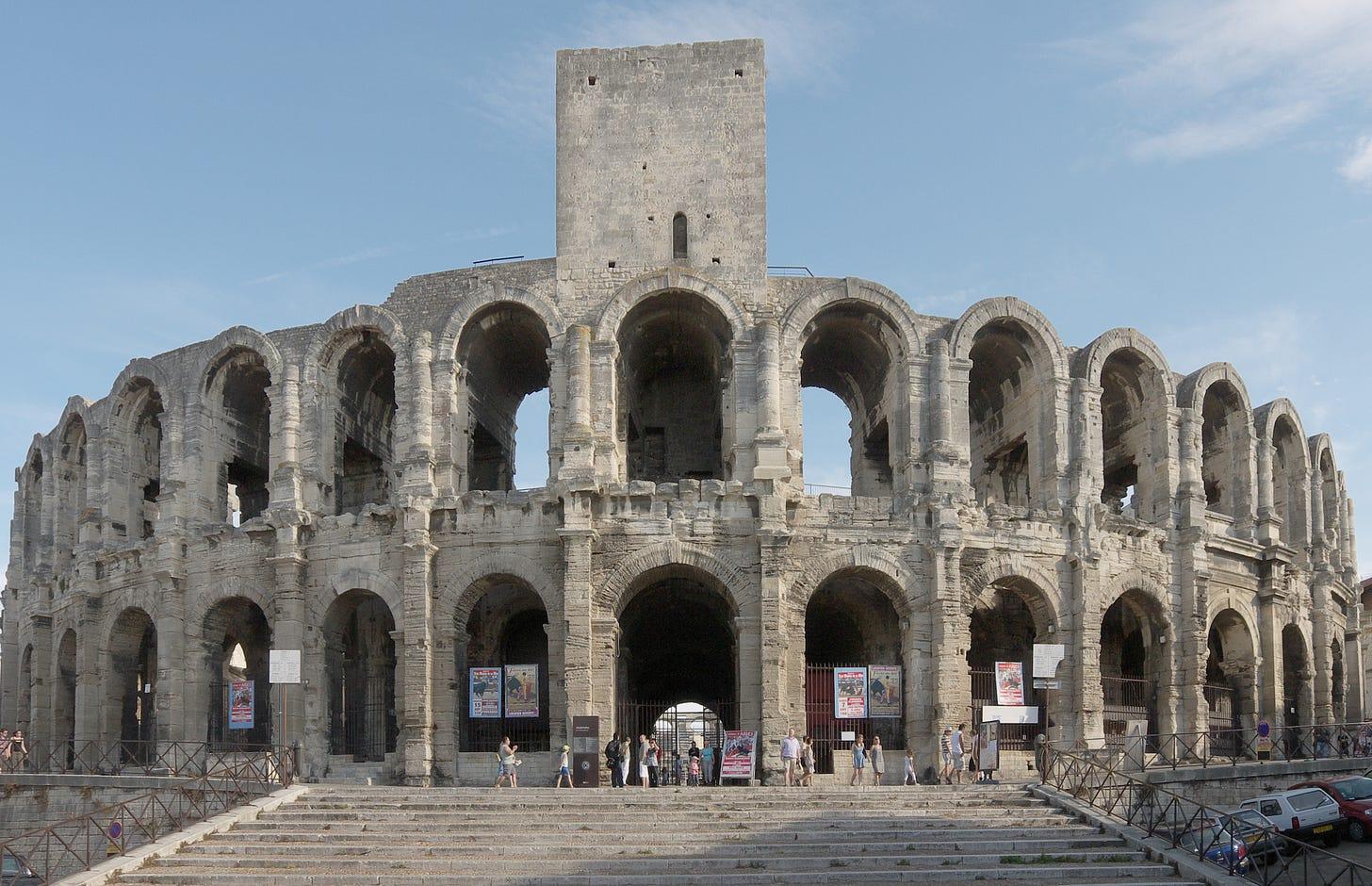 Arles Amphitheatre - Wikipedia