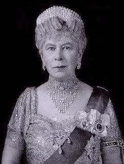 The Royal Order of Sartorial Splendor: Flashback Friday: The Splendor of Queen  Mary
