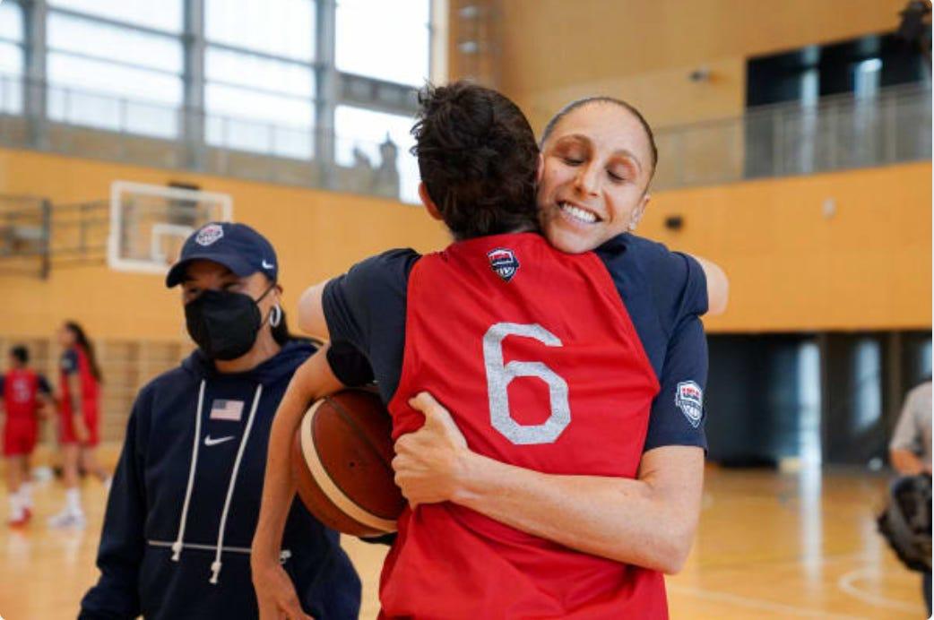 Diana Taurasi hugs Sue Bird. (photo via USA Basketball Twitter)