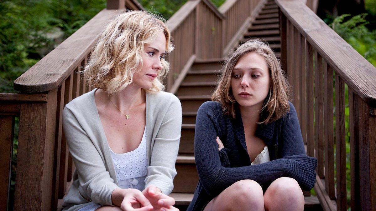 Sarah Paulson and Elizabeth Olsen in Martha Marcy May Marlene