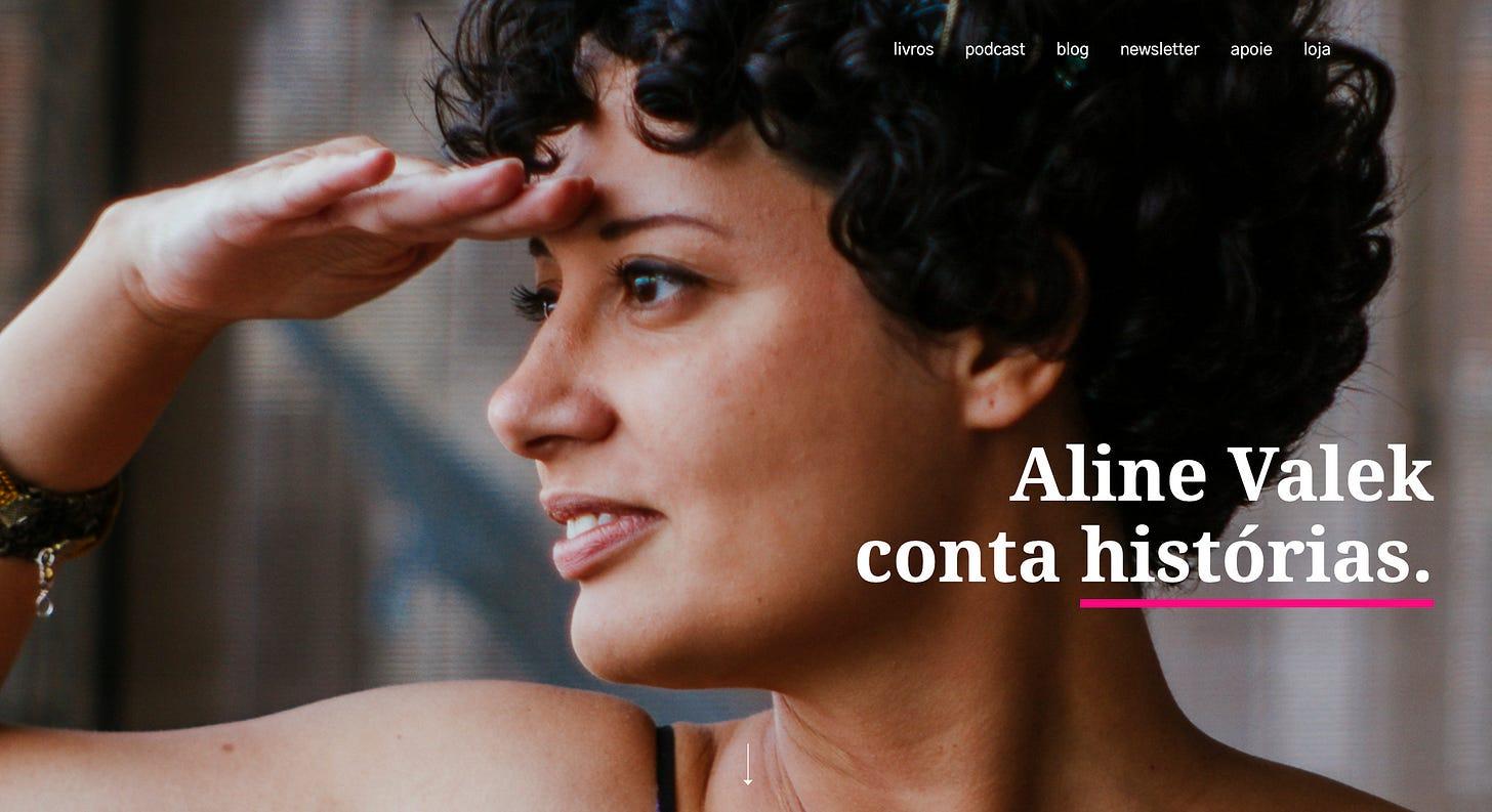 """Print da página inicial do site: O texto """"Aline Valek conta histórias"""" sobre uma foto minha olhando para o horizonte. Acima, os links do menu"""