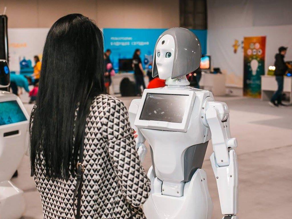 Робот KIKI