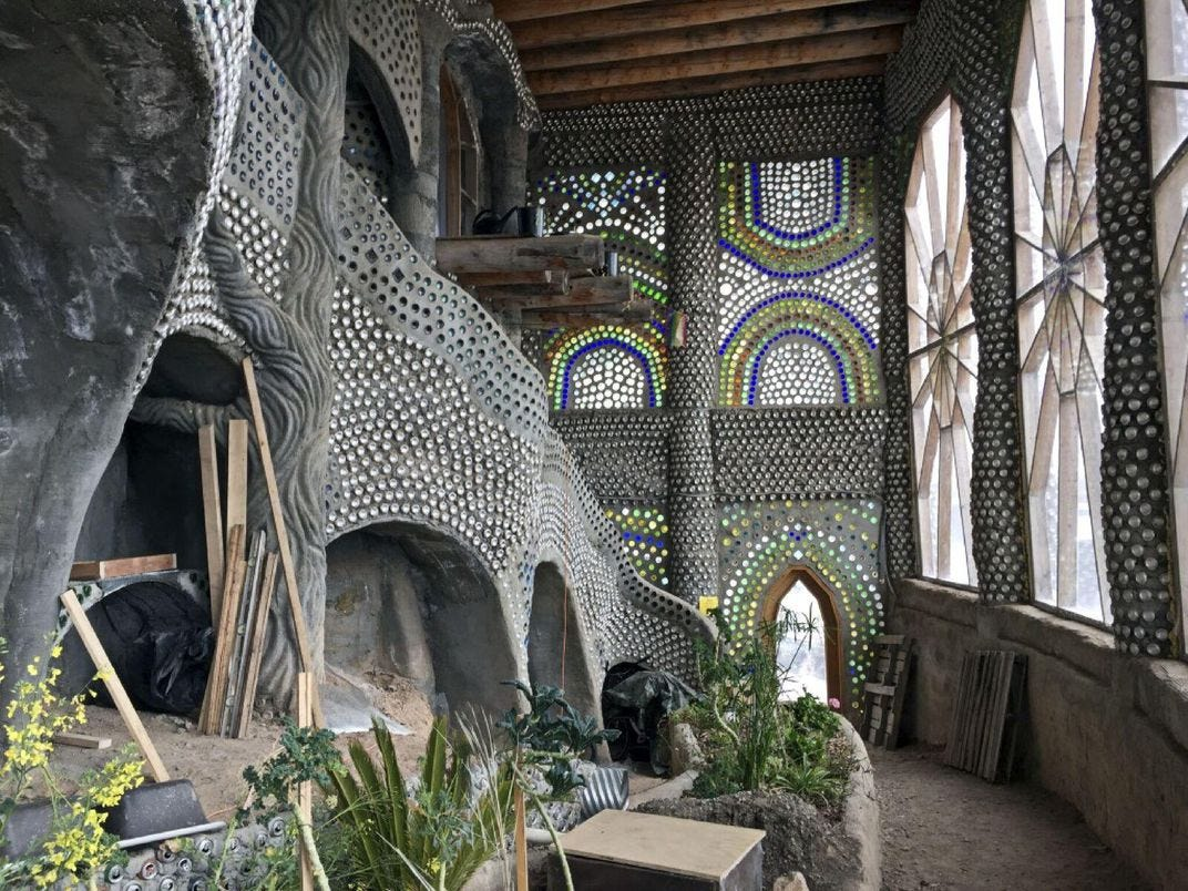 """These Otherworldly """"Earthships"""" Offer Visitors Unusual ..."""