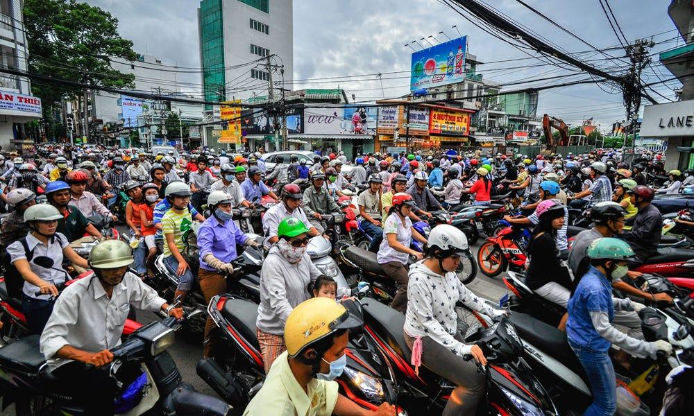 Motorbikes still the vehicle of choice in Vietnam - VnExpress International