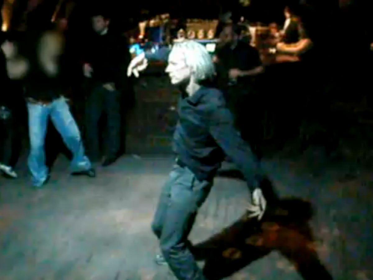 "DiscoLeaks: Julian Assange ""getting down"" on the dance floor in Reykjavik?  - CBS News"