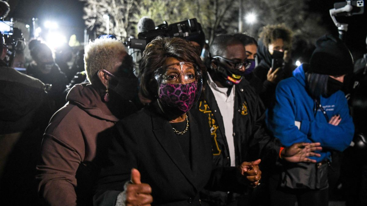 Maxine Waters calls for protesters to 'get more confrontational' if no  guilty verdict is reached in Derek Chauvin trial - CNNPolitics