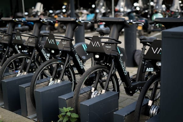Vaimoo e-bike fleet to roll out in the UK - Smart Cities World
