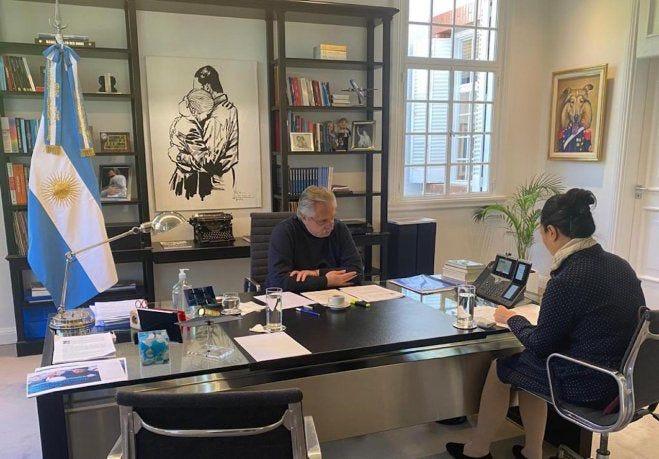 El presidente Alberto Fernández se comunicó con su par chino