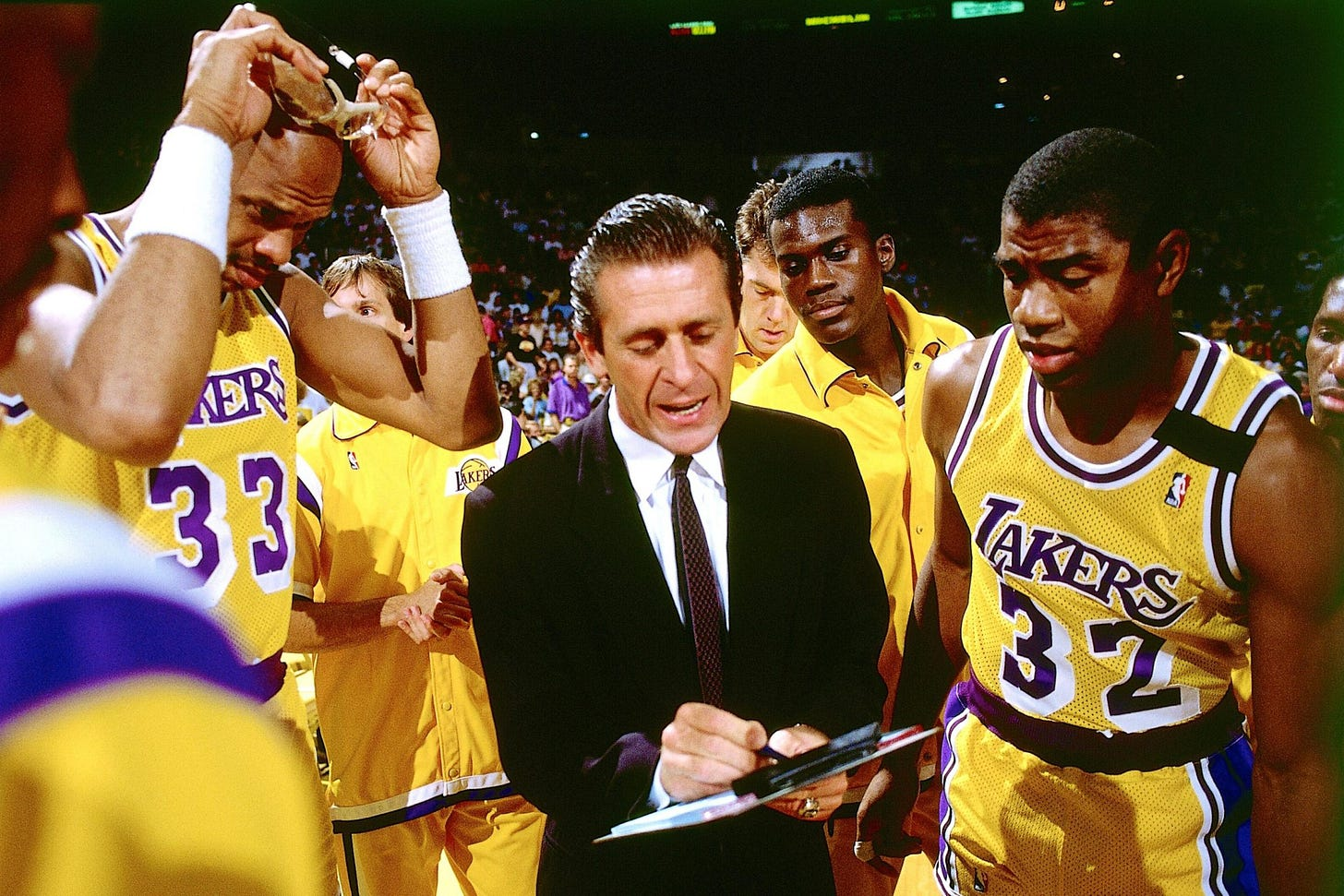 """The Most Bizarre Reason Why Los Angeles Lakers Lost 1989 NBA Championship:  """"Coach Hitler"""" Pat Riley - EssentiallySports"""