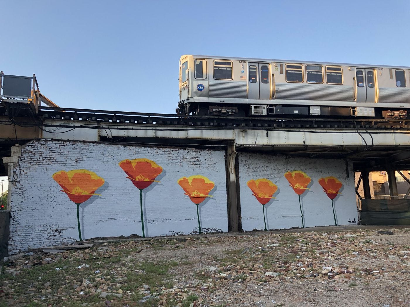 Chicago murals: Giant honey bear mural at West Town viadcut offers a nod to  Chicago culture - Chicago Sun-Times