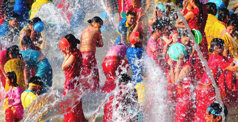 The Dai Water Splashing Festival – Cultural Keys