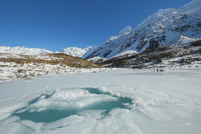 File:Broken ice on frozen Hooker Glacier Lake in winter.jpg