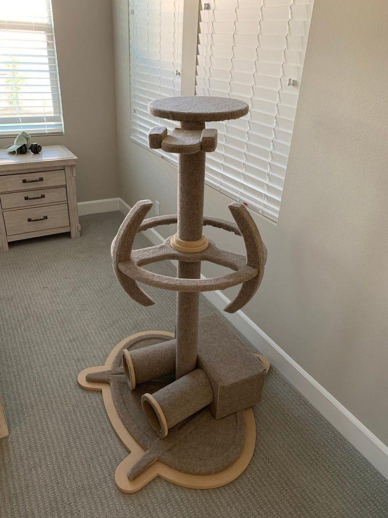 Star Trek Enterprise 1701D  DS9 Wood Cat Tower Cat Climbing image 0