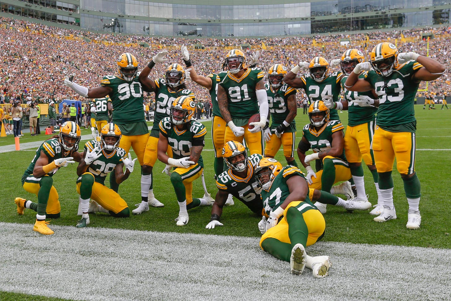 Entire Packers defense celebrates after Preston Smith interception