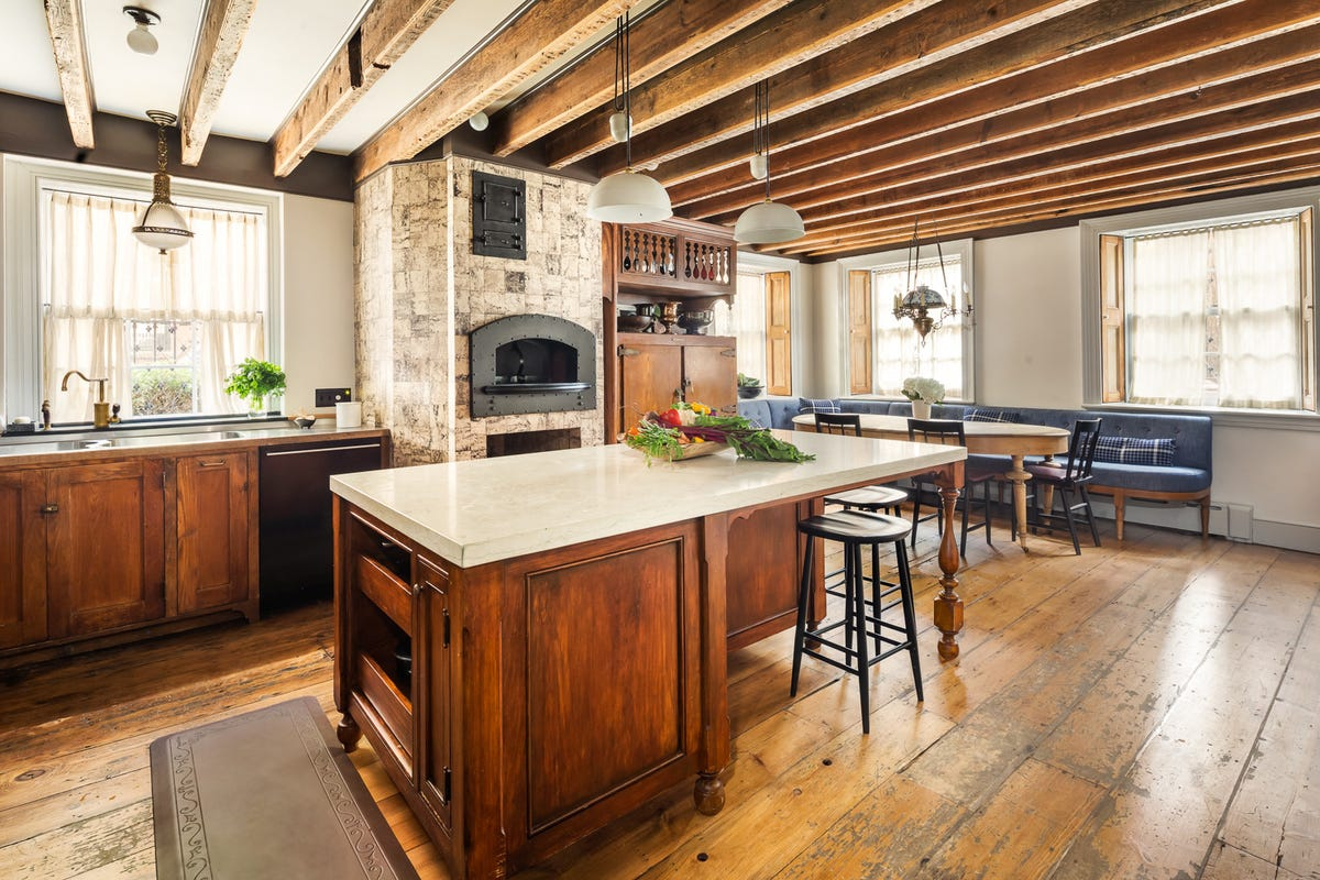Picture of a beautiful kitchen
