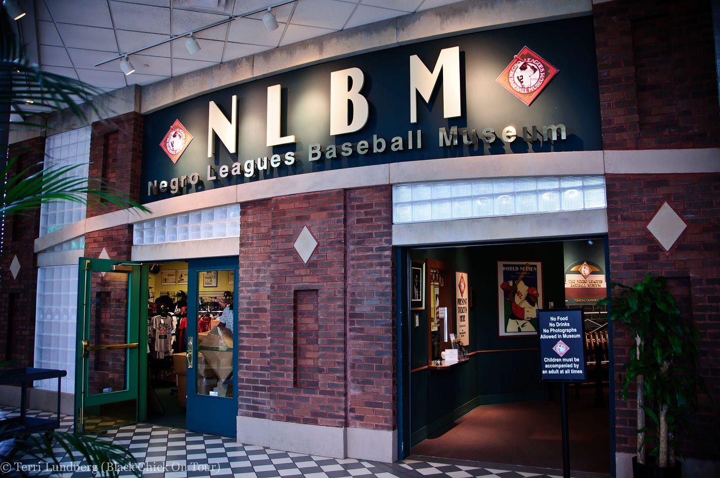 Negro-Leagues-Baseball-Museum-Signage.jpg