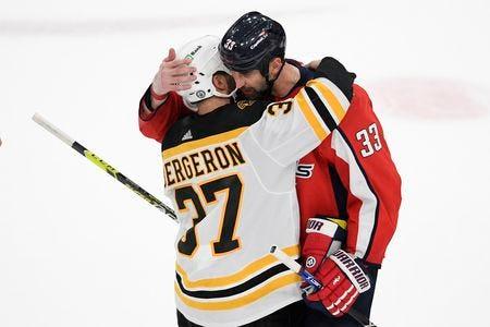 Bruins vs. Zdeno Chara storyline never materializes, Boston moves past  history into second round   Matt Vautour - masslive.com