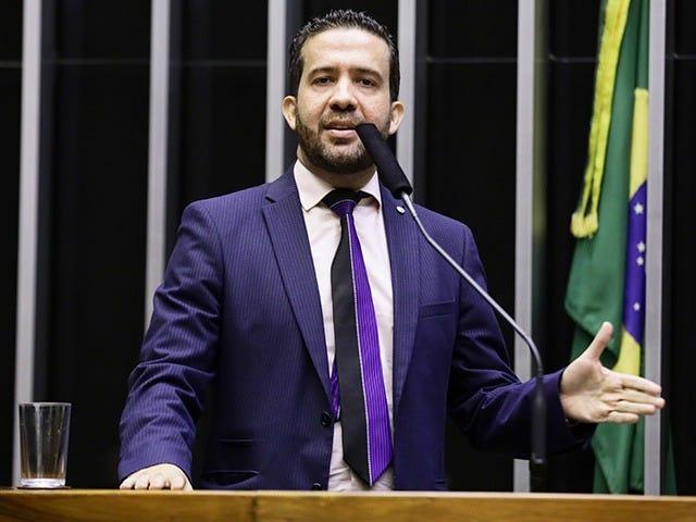 Deputado Federal André Janones - Portal da Câmara dos Deputados