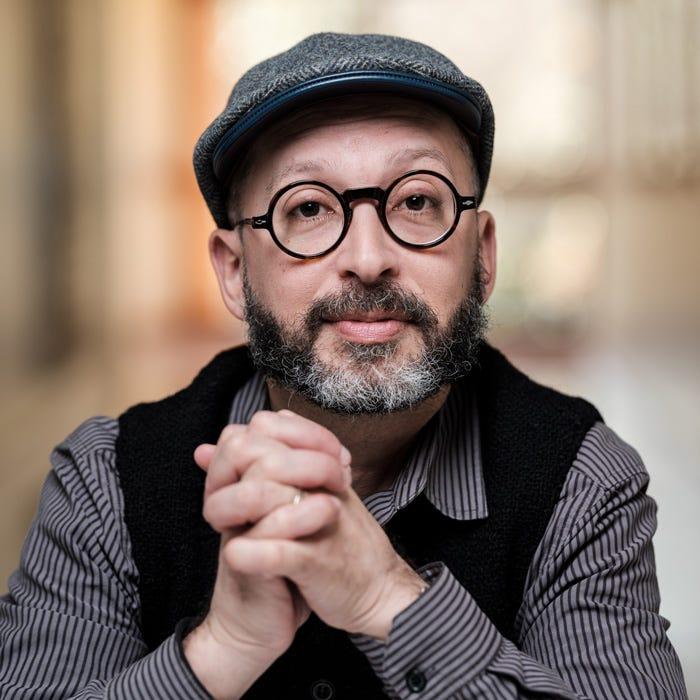 Photo of artist Joel Tauber