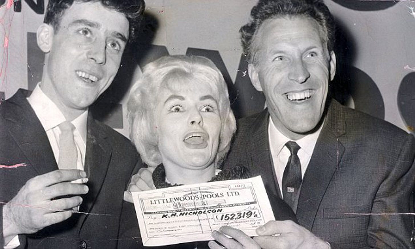 Pools queen Viv Nicholson dies proving money doesn't buy happiness   Daily  Mail Online