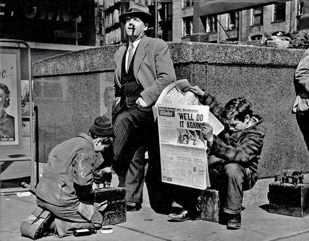 Shoeshine boys in Boston (1943) : TheWayWeWere