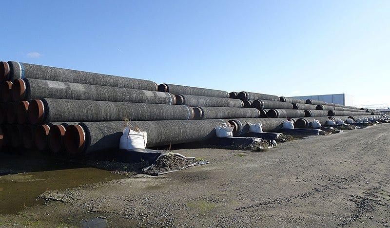 File:Rohre für Nord Stream 2 in Mukran.jpg