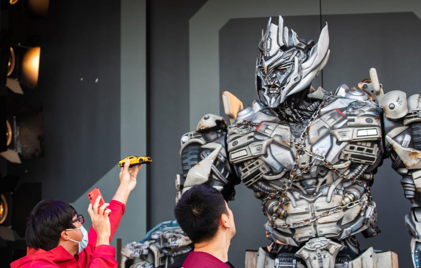 Megatron offends 'vile humans' at Universal Studio's Beijing theme park –  SupChina
