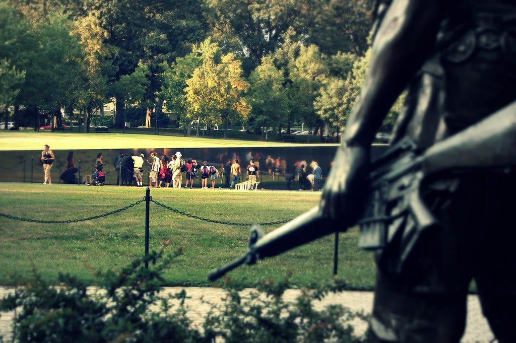 """""""Vietnam War Memorial (Washington DC)"""" by ~MVI~ (warped) is licensed under CC BY 2.0"""