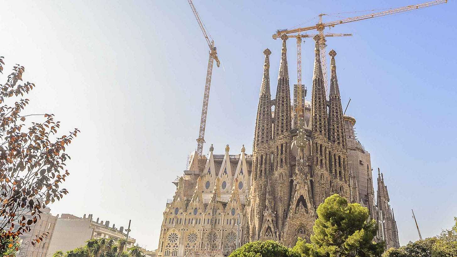 """Who doesn't look at the Sagrada Família and think, """"Yes, that reminds of BI""""?"""