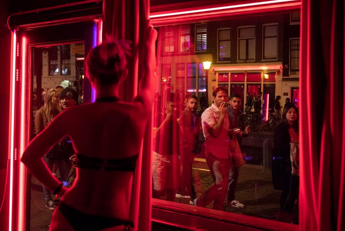 Turn off Amsterdam's Red Light sex windows | The Star
