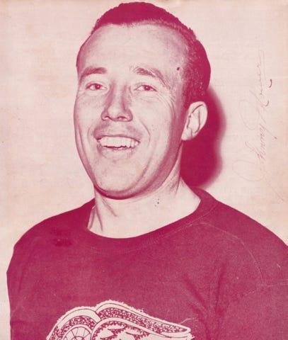 Johnny Mowers Detroit Red Wings 1943 Vezina Trophy Winner