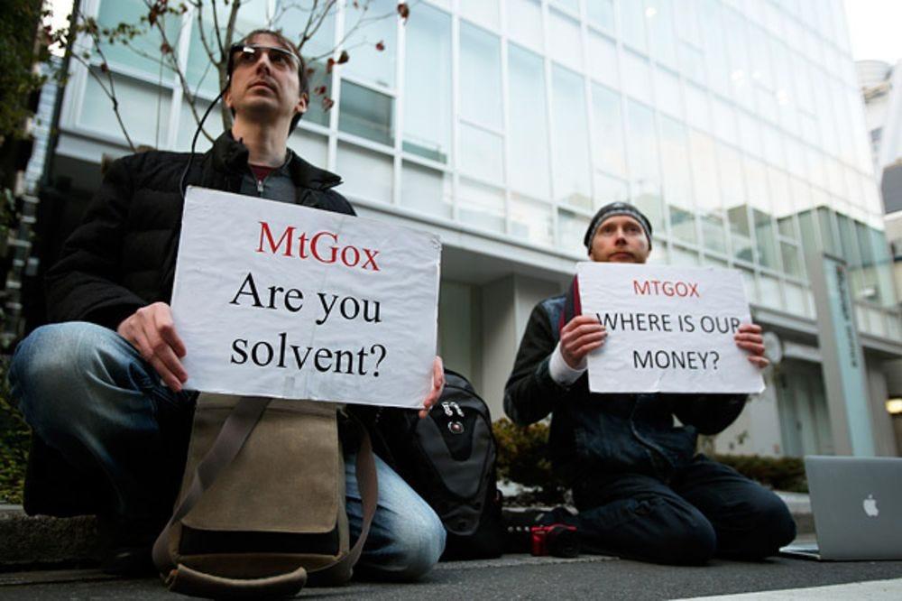 True Believers Cheer the Fall of Bitcoin Exchange Mt. Gox - Bloomberg