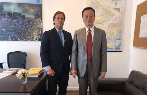 Embajador Wang Gang se reúne con Presidente Electo Lacalle Pou