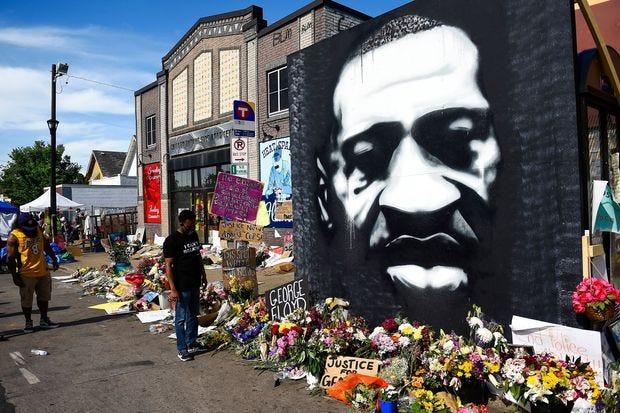 Criminal Charges in George Floyd's Death Set Up Legal Battle - WSJ