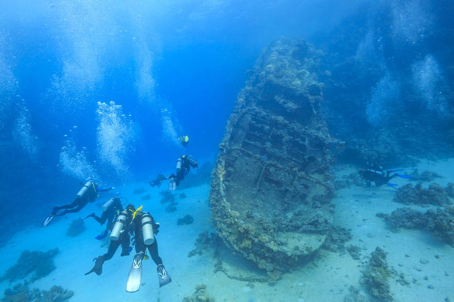 A Beginner's Guide to Wreck Diving - AquaViews - Leisure Pro