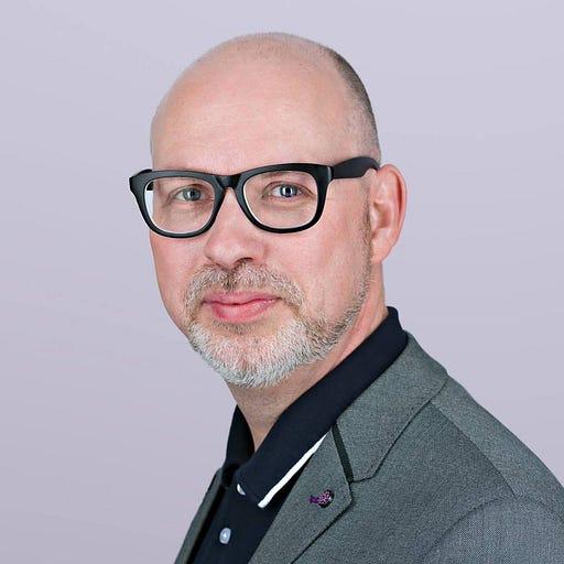 Simon Carless